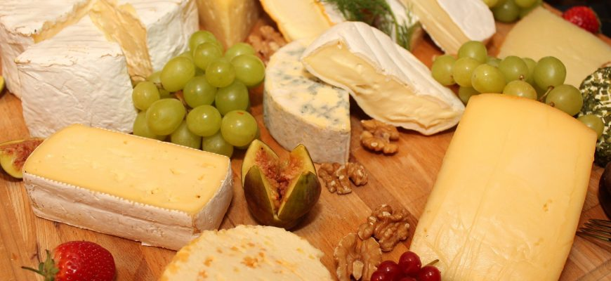 Казахстан по-прежнему сильно зависит от импорта сыра, колбас и рыбы