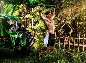 Кто и зачем тащит в пропасть казахстанских фермеров