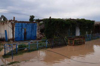 На Востоке в селах и карантин, и потоп