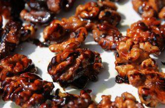 Порадуйте себя, оберните орехи в карамель