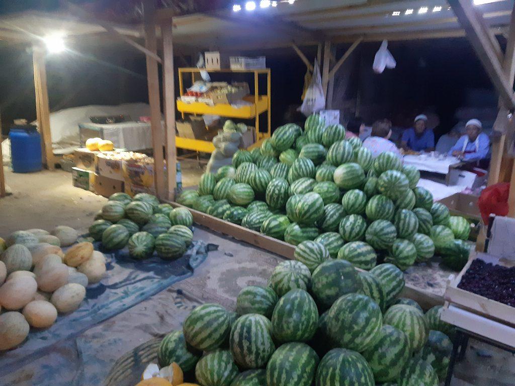Ночной арбузный рынок